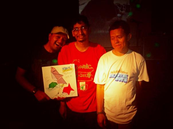 me, Bin & Hans with our vinyl!